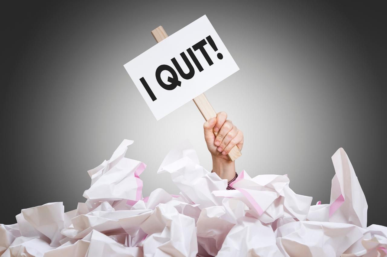 ¿Es necesario renunciar a tu trabajo para emprender?